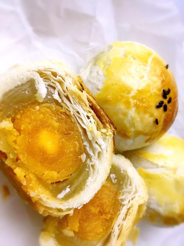 蛋黄酥图片.jpg